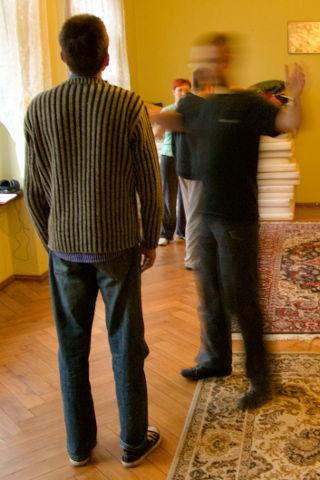 Kurs rozwoju osobistego Hemi-Sync® - uczestnicy podczas ćwiczeń
